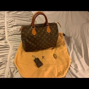 Louis Vuitton Speedy 30 w/ dust bag, keychain & 🔐